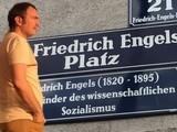 <p>Viyana'da (Avsuturya) Karl Marx ve Friedrich Engels.</p>